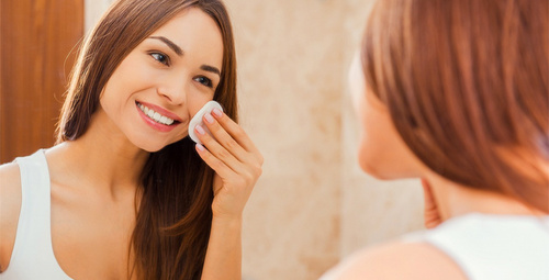 Evde basit yöntemlerle cildinize ışıltı kazandırın!