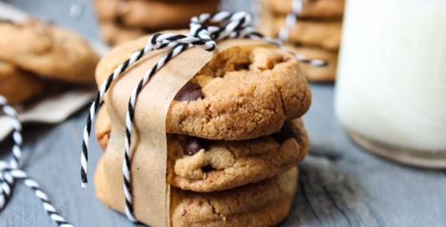 5 çayının vazgeçilmezi damla çikolatalı kurabiye!