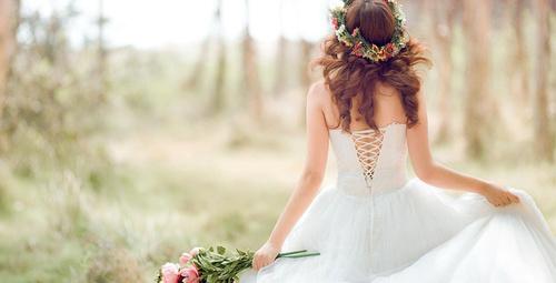 Düğünde saçınız doğallığı ve zarafeti simgelesin!