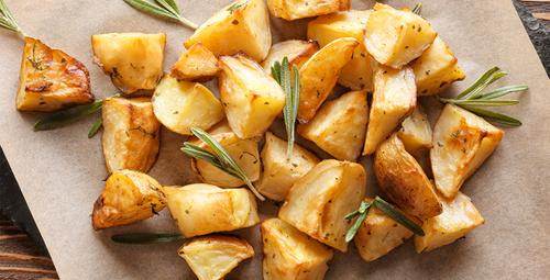 Fast foodun vazgeçilmezi baharatlı patates tarifi