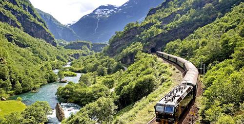 Avrupa'nın efsanevi 9 tren rotası!