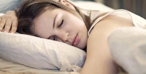 Uyurken fazla kilolarınızdan kurtulabilirsiniz!