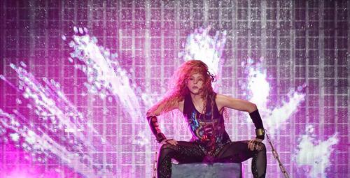 Shakira'dan kalça şov! İstanbullular mest oldu