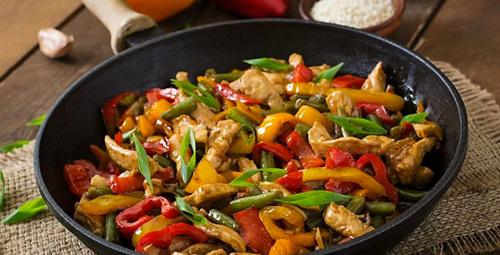 Akşam yemeği önerisi: Sebzeli tavuk sote