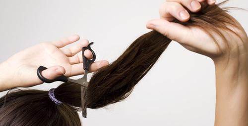 Evde düz saç kesmenin püf noktaları!