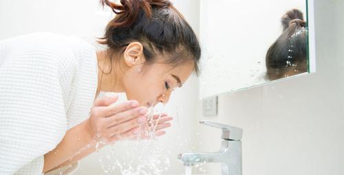 Yüz yıkarken hepimiz aynı hatayı yapıyoruz!