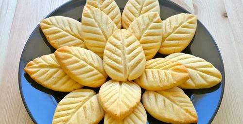 Kalıba gerek yok: İşte yaprak kurabiye