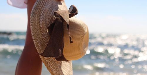 2018 plaj modasının en gözdesi: Hasır şapkalar!