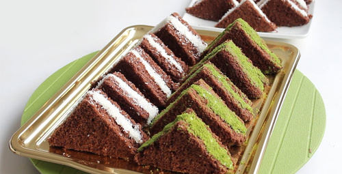 Lezzetine doyum olmayan üçgen kek tarifi!