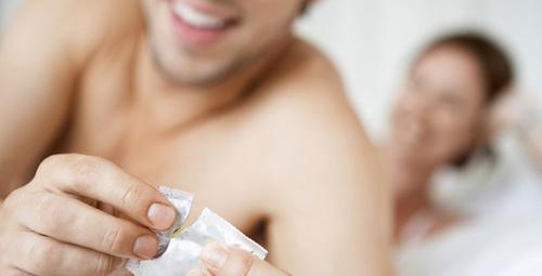 Dünyanın en küçük prezervatifi cinsel hayatınızı renklendirebilir!