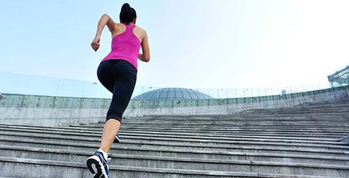 Merdiven inip çıkarken diziniz ağrıyorsa dikkat!