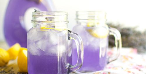 Kokusuna ve lezzetine hayran bırakan: Lavantalı limonata!