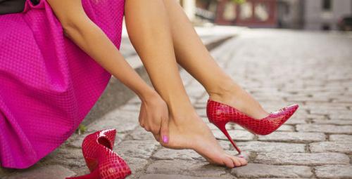 Yüksek topuklu ayakkabılar bu hastalığa yol açıyor!
