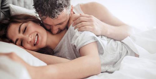 Sevgiliyle uyumanın faydaları hayat kurtarıyor!