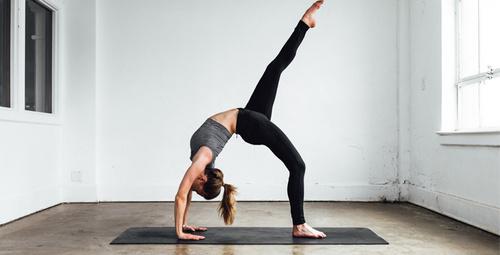 Günlük 15 dakika yogayla kötü enerjileri geride bırakın!