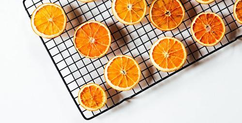 Kurutulmuş portakal dilimleri hazırladık sizde yapabilirsiniz!