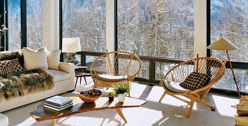 Pencere kenarından giren soğuk havayı durdurmak için...