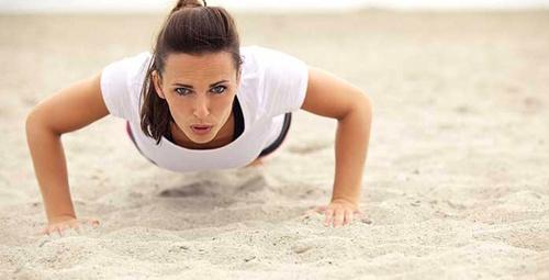 Bu hareketlerle daha sıkı ve dik gögüslere sahip olun!