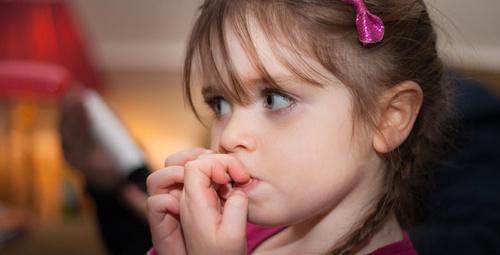 Çocuğunuzda tırnak yeme alışkanlığı varsa dikkat!
