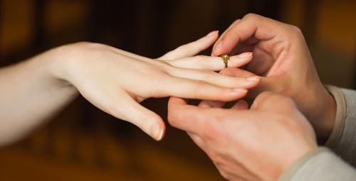 Yüzüğünüz parmağınıza sıkıştıysa...