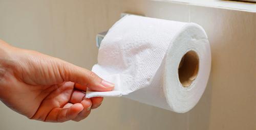 Klozete tuvalet kağıdı serip sakın oturmayın meğer...