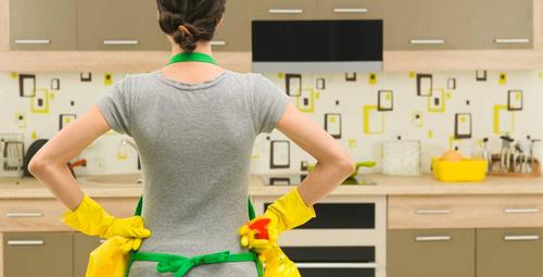 Halılardaki lekeleri bu yöntemle temizleyin!