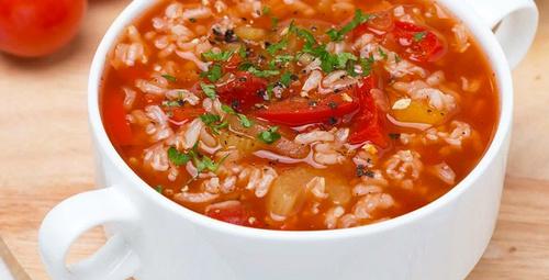 Hem doyurucu hem besleyici: Pirinç çorbası