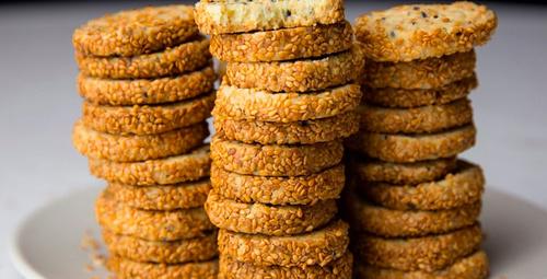 Enfes bir atıştırmalık: Tuzlu susamlı kurabiye