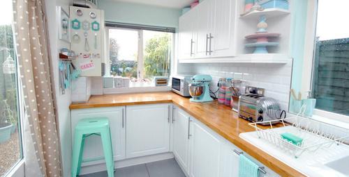 Küçük mutfakları büyük gösterecek dekorasyon önerileri!