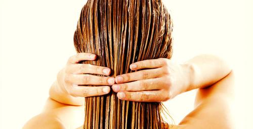 Sağlıklı saçlar için ev yapımı maske tarifleri!