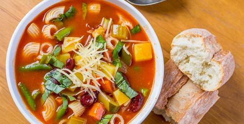 Enfes bir İtalyan lezzeti: Minestrone çorbası