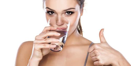 Su içerken sakın bu hataya düşmeyin!