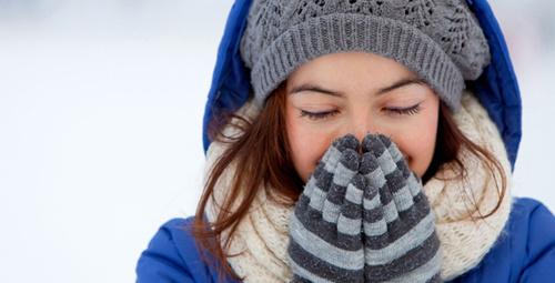 Soğuktan koruyan cildinizi rahatlatacak bakım önerileri!