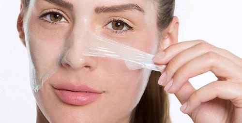 Jelatin tozu maskesiyle ışıldayan bir cilde sahip olun!