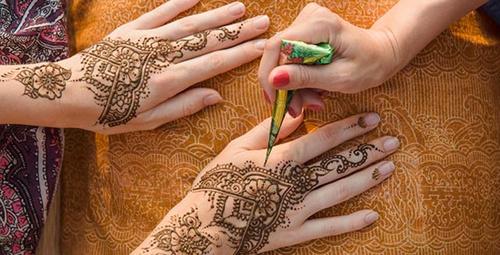 Hint kınasıyla dövme nasıl yapılır?