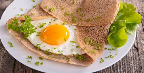 Şık kahvaltıların vazgeçilmezi: Karabuğday unlu krep tarifi
