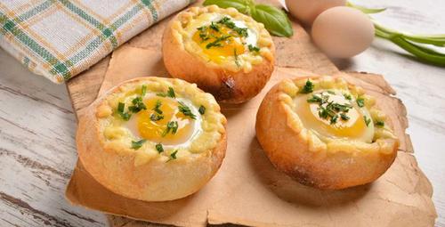 Kahvaltıda pratik lezzet: Ekmek çanağında yumurta tarifi