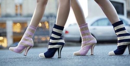 Sezonun en gözde trendi: Çorap botlar!
