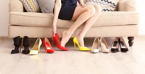 Ayakkabı alışverişi için öğlen saatlerini seçin!