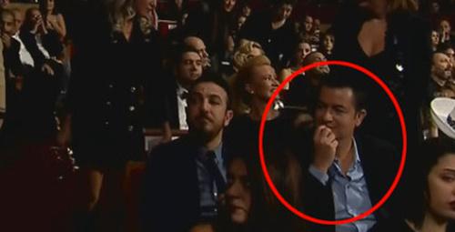 Acun Ilıcalı ünlü oyuncudan gözlerini alamadı!