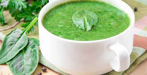 Vitamin deposu: Kremalı ıspanak çorbası