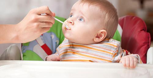 Bebeklere kestaneyi ezerek yedirirseniz...