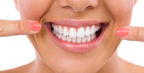 İnci gibi dişlere sahip olmanın sırrı zerdeçalda!