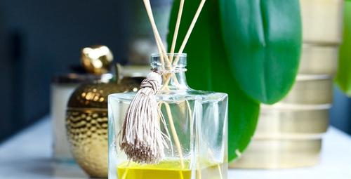 Evde kendi çubuklu oda parfümünüzü yapın!