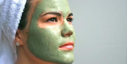 Sivilce ve izlerinden ebediyen kurtulmanın sırrı maskelerde saklı!