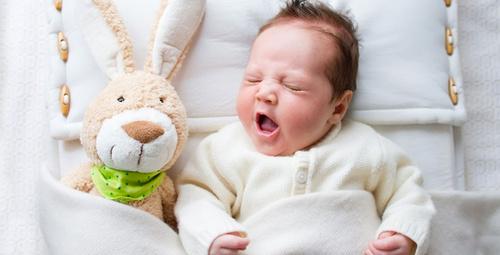 Bebeğin sağlıklı uyku alması için 3 noktaya dikkat!