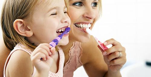 Çocuklar ne sıklıkla diş fırçalamalı?