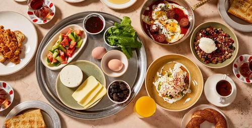 Kahvaltıların vazgeçilmez lezzeti: Salçalı zeytinli ekmek