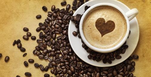 Kahveye tarçın ekleyip içerseniz...