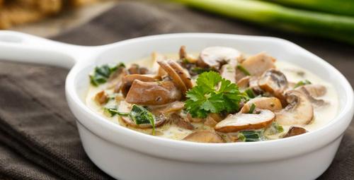 Pratik yemeklerin vazgeçilmezi: Kremalı mantar sote